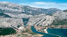 split airport transfers omis
